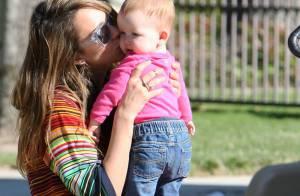 Jessica Alba : Maman tendre, elle entre dans le printemps avec style
