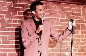 Mustapha El Atrassi : triomphe à New York pour le petit Frenchy, roi du stand-up