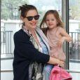 Jennifer Garner et sa fille Seraphina sortent de chez le pédiatre, à Los Angeles, le 22 février 2012