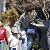 Sandra Bullock : son adorable Louis, tout timide, se cache derrière elle