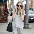 Amanda Seyfried sort d'un cabinet médical, à Beverly Hills, le 23 mars 2012