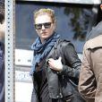 Emily VanCamp et Joshua Bowman font du shopping à Los Angeles, le 24 mars 2012
