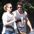 Emily VanCamp et Joshua Bowman, amoureux, déjeunent à Los Feliz, le 10 mars 2012
