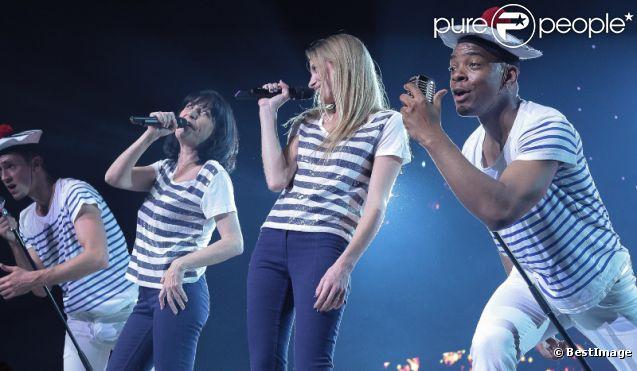 Lio et sa fille Nubla, sur la scène du Zénith de Lille, dans le cadre de la tournée RFM Party 80, le vendredi 13 avril 2012.