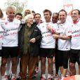 Sylvie Tellier, PPDA, Satya Oblet, Francine Leca, Philippe Caroit, Jean-Philippe Doux et Thierry Beccaro lors des Kilomètres du Coeur, en plein Marathon de Paris le 15 avril 2012