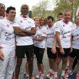 Taïg Khris, Satya Oblet, Sylvie Tellier, Thierry Beccaro, Patrick Poivre-d'Arvor, Samuel Etienne et Paul Belmondo lors des Kilomètres du Coeur, en plein Marathon de Paris le 15 avril 2012
