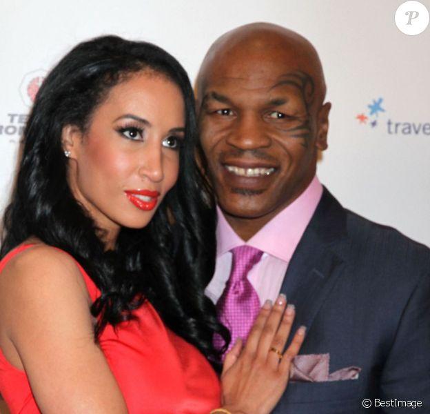 Mike Tyson et sa femme Kiki lors de la présentation de son one-man-show au casino MGM Grand à Las Vegas, le 14 avril 2012