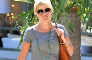 Reese Witherspoon, enceinte : Pas de sourire mais un joli ventre bien rond