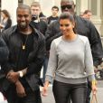 Kim Kardashian et Kanye West dans les rues de New York le 21 avril 2012