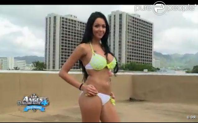 Nabilla très sexy dans Les Anges de la télé-réalité 4 le mardi 24 avril 2012 sur NRJ 12