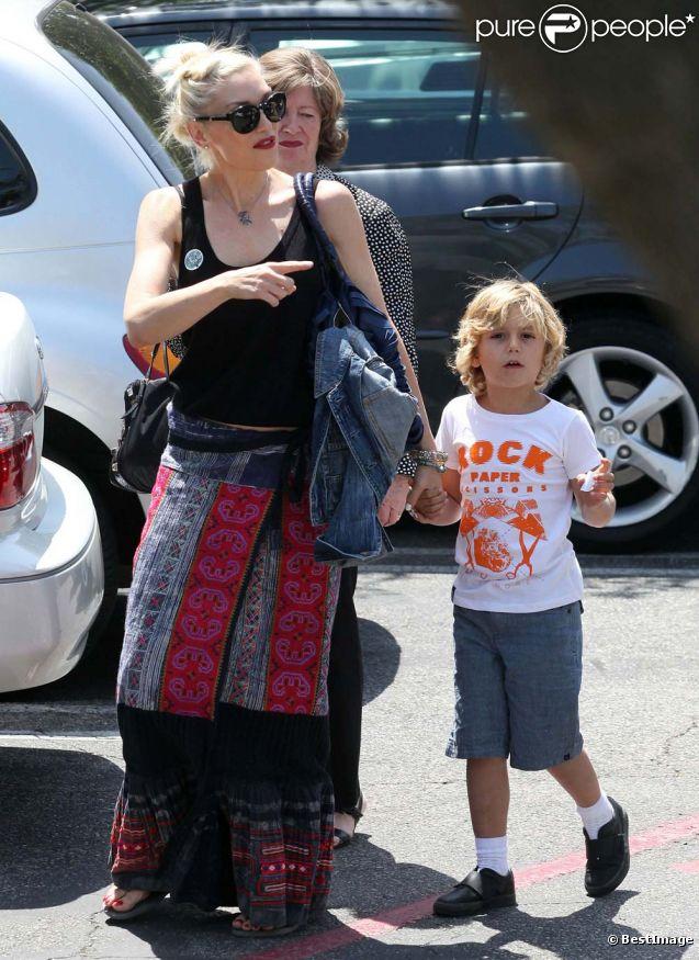 Gwen Stefani et ses fils se rendent à la fête de l'école, dans le quartier d'Encino à Los Angeles, le 6 mai 2012.