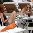 Tish et Brandi, maman et demi-soeur de Miley Cyrus, en vacances à Miami, le mardi 15 mai 2012.