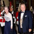 La reine Margrethe II de Danemark et le prince Henrik. Le prince Charles et Camilla Parker Bowles donnaient le 18 mai 2012 à Buckingham Palace un dîner pour de nombreux royaux étrangers, invités en l'honneur du jubilé de diamant de la reine Elizabeth II. Les convives avaient plus tôt dans la journée déjeuné avec la monarque au château de Windsor.