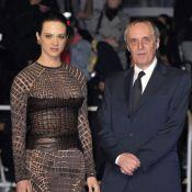 Asia Argento superbe avec son père Dario pour Dracula 3D sur tapis rouge sang