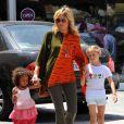 Heidi Klum emmène ses deux filles à leur cours de karaté à Brentwood, Los Angeles le 19 mai 2012
