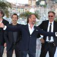 Gustave Kervern, Albert Dupontel, Benoît Poelvoorde et Benoît Delépine lors du photocall du film Le Grand Soir le 22 mai 2012 au Festival de Cannes