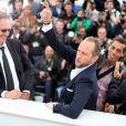Benoît Delépine, Benoît Poelvoorde et Albert Dupontel lors du photocall du film Le Grand Soir le 22 mai 2012 au Festival de Cannes