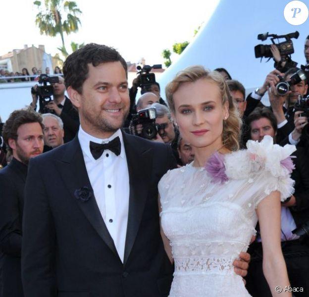 Joshua Jackson et Diane Kruger lors de la montée des marches du Palais des Festivals, pour le film Cogan - La Mot en Douce, à Cannes le 22 mai 2012