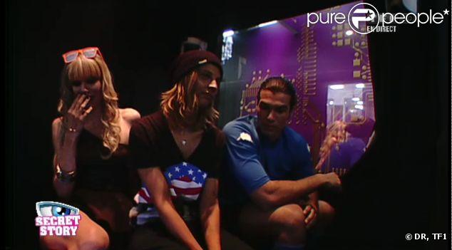 Audrey, Emilie et Midou dans la Secret Box, dans Secret Story 6, vendredi 25 mai 2012, sur TF1