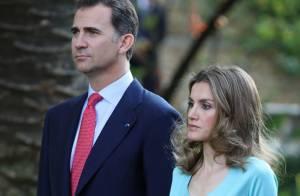 La princesse Letizia éclatante au côté de Felipe pour leur visite au Portugal