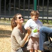 Gisele Bündchen : Cascade de câlins pour son fils, sous les yeux de son amoureux
