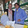 Rafael Nadal, en compagnie de Guy Forget, souffle ses 26 bougies le 3 juin 2012 à Roland-Garros