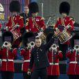 Robbie Williams a ouvert le bal de manière explosive avec une fanfare militaire et son  Let Me Entertain You . La reine Elizabeth II a été honorée par le meilleur des artistes du royaume, réunis par le Take That Gary Barlow, qui ont fait vibrer son jubilé de diamant lors du concert donné à Buckingham Palace le 4 juin 2012.