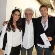 Elisa Tovati, Sébastien Saussez et Daniel Angeli au vernissage de son exposition Icônes à la galerie Art District à Paris, le 6 juin 2012.