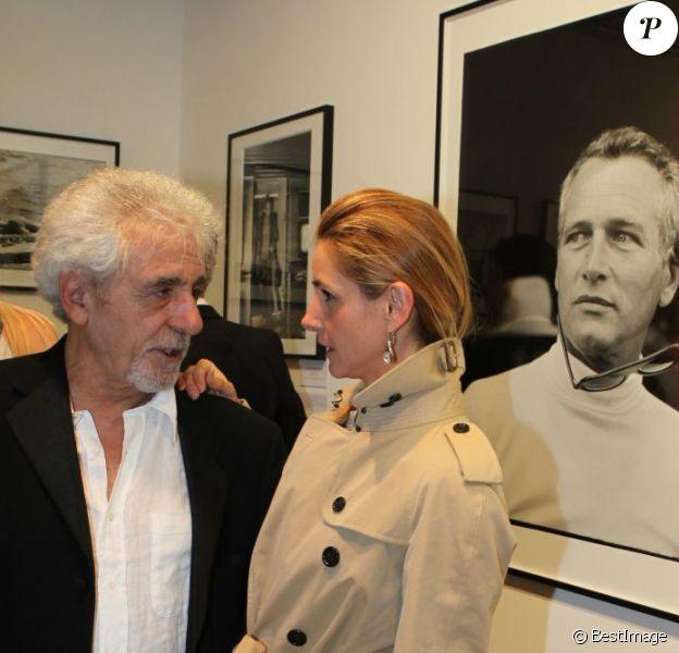 Clotilde Courau et Daniel Angeli au vernissage de son exposition Icônes à la galerie Art District à Paris, le 6 juin 2012.