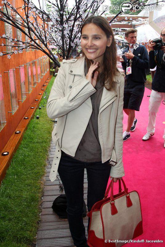 Virginie Ledoyen le 7 juin 2012 à Roland-Garros lors des demi-finales féminines du tournoi