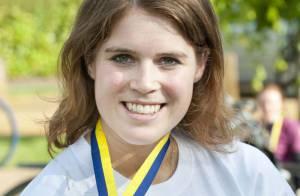 Princesse Eugenie: Superbe après 105km à vélo de nuit, sa mère Fergie très fière