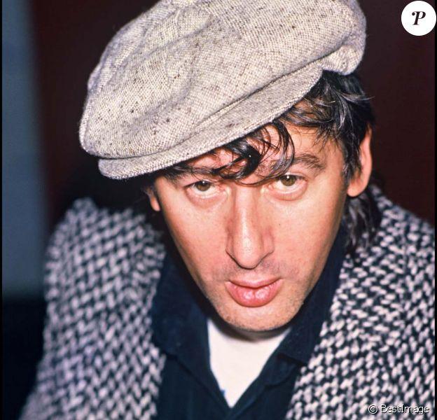 Alain Bashung après un concert à Caen, le 22 octobre 1985.