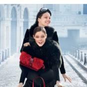 Coco Rocha et Emily DiDonato : Cyclistes glamour sous la neige parisienne