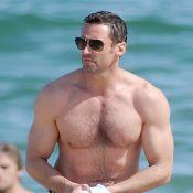 Hugh Jackman, ultra musclé sur la plage : il profite de ses vacances caliente