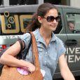 Katie Holmes sort de son domicile à New York. Le 25 juin 2012.