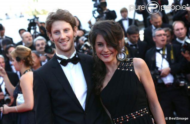 Romain Grosjean et Marion Jollès le 22 mai 2012 lors du Festival de Cannes. En couple depuis 2008 et fiancés en 2012, le pilote de F1 et la journaliste de TF1 ont célébré leur mariage le 27 juin 2012 à Chamonix, dans un salon du Majestic.