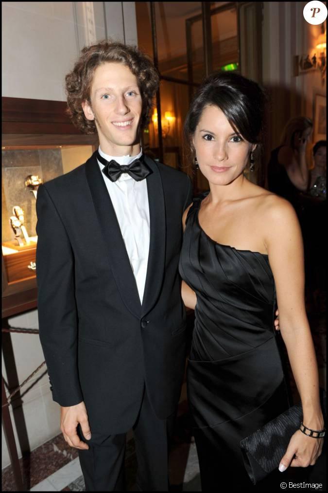 romain grosjean et marion joll s photo lors d 39 un gala au meurice en 2009 en couple depuis. Black Bedroom Furniture Sets. Home Design Ideas