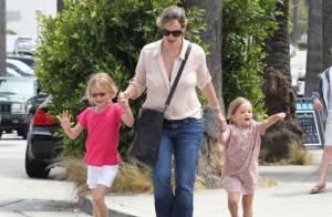 Jennifer Garner : Pause gourmande et glacée avec Violet et Seraphina