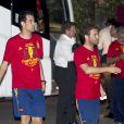 Sergi Busquets et Juan Mata le 2 juillet 2012 à Madrid au cours d'une soirée pour célébrer le titre de champion d'Europe décroché face à l'Italie le 12 juillet 2012 à Kiev