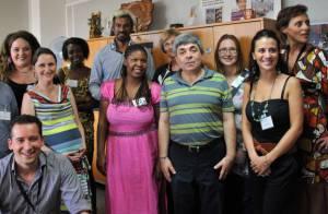 Satya Oblette, généreux, tend la main aux enfants