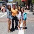 L'acteur Sylvester Stallone se promène à Los Angeles avec ses trois filles, le lundi 9 juillet 2012.