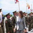 Le prince Felipe et la princesse Letizia d'Espagne présidaient la cérémonie de remise des diplômes aux sous-officiers de la XXXVIIe promotion sortant de l'Académie militaire de Talarn, le 9 juillet 2012.