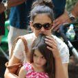 Katie Holmes, sa fille Suri et sa mère Kathleen se sont rendues au zoo de New York, le 11 juillet 2012 - Katie Holmes est toujours aussi proche de Suri