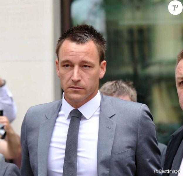 John Terry, à la sortie du tribunal après avoir été acquité dans une affaire d'insultes racistes à l'encontre d'Anton Ferdinand le 13 juillet 2012 à Londres