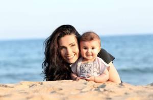 Adeline Blondieau et l'adorable Wilona : Tendres câlins et premier cours de yoga