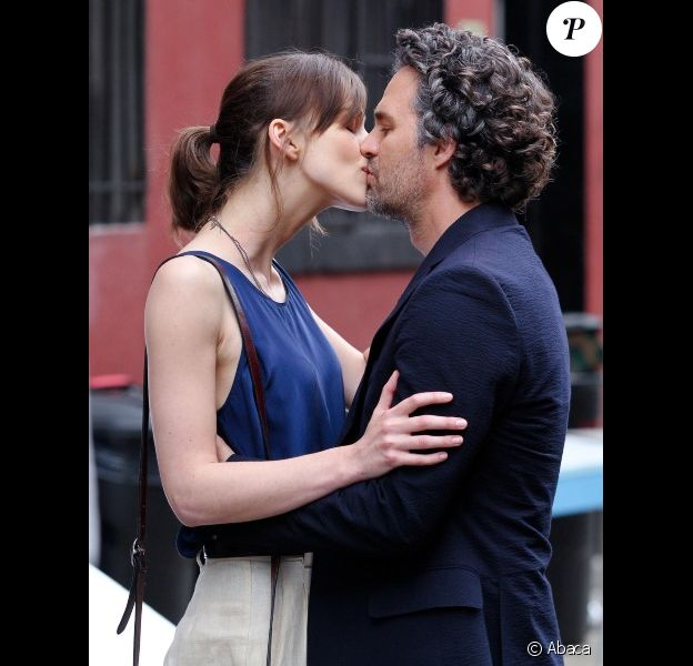 Keira Knightley et Mark Ruffalo lors du tournage du film Can a Song Save Your Life ? à New York le 19 juillet 2012