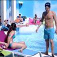 Les habitants dans la piscine dans la quotidienne de Secret Story 6, lundi 23 juillet 2012 sur TF1