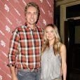 Kristen Bell et son fiancé Dax Shepard à l'avant-première de la comédie  Hit and Run , co-réalisée par Dax Shepard. Juillet 2012 à New York.