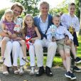 Le prince Philippe de Belgique, son épouse la princesse Mathilde et leurs quatre enfants - la princesse Elisabeth, les princes Gabriel et Emmanuel et la princesse Eleonore - sont arrivés à Londres le 26 juillet 2012 pour soutenir les athlètes belges en compétition jusqu'au 31. Dès leur arrivée, ils ont fait un peu de tourisme dans la capitale anglaise.