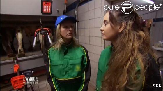 Karine et Patricia à la ferme dans L'amour est dans le pré 7